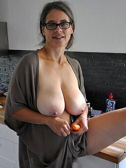 perfect mature mother bowels nude pics