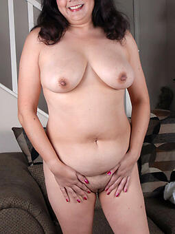 juggs naked abstruse moms pictures