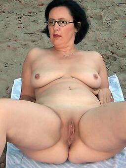 juggs maw nude on beach