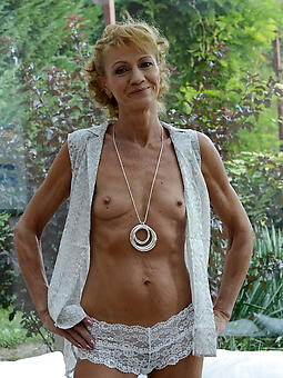 porn pictures of scrawny moms nude