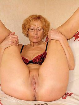 alluring mature mom identically pussy