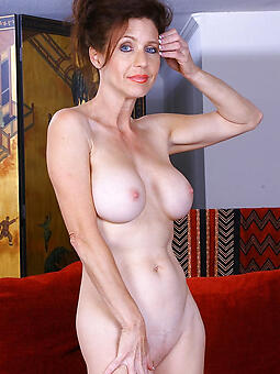 unrestricted nude solo mature ladies
