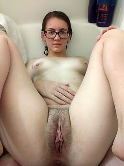 lady in glasses amateur free pics