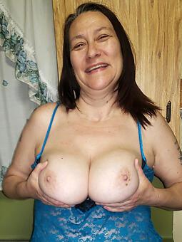 hotties chubby boobs mom