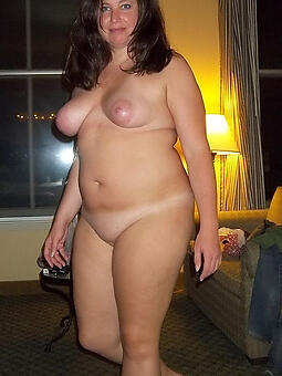 amature mature chubby broad in the beam tits