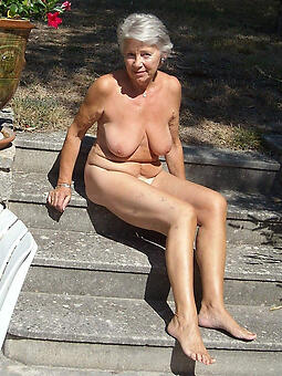 attracting doyenne grannies naked