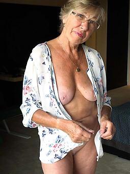 hot age-old moms amateur Bohemian pics