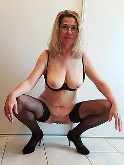 perfect hot old women nude
