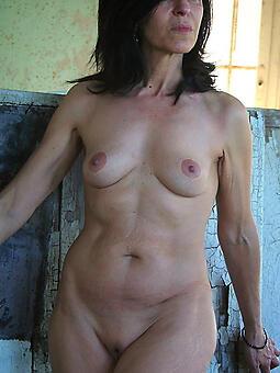 beautiful nude moms free porn pics
