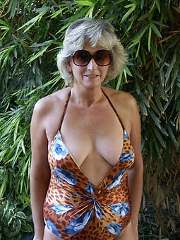 hotties hot milf concerning bikini
