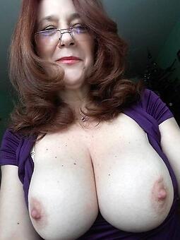 amature moms nice tits nude