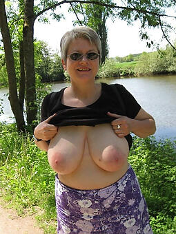 pretty mature women tits