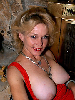 free mature tits stripping