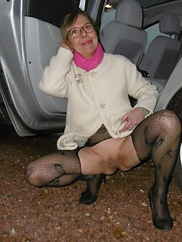 enticing naked lady glasses gallery