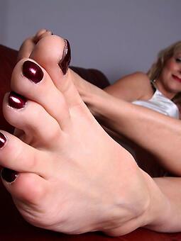 materfamilias feet unorthodox naked pics