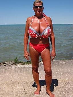 perfect lady in bikini