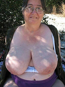 pictures of busty lady