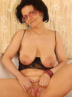 mom with glasses free naked pics
