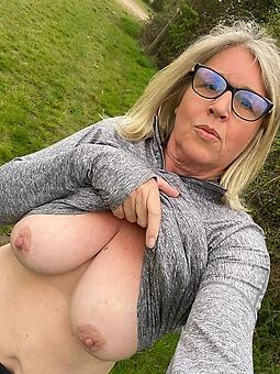 hotties mommy glasses pics