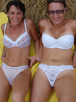 hotties moms all over lingerie starkers pics