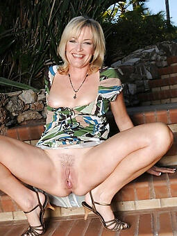 hot lady pussy stripping
