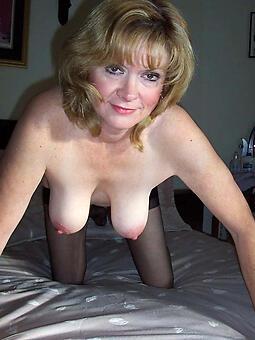 mature saggy tits Bohemian naked pics