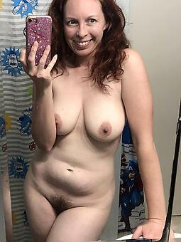 pretty naked selfshot moms
