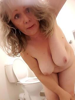 hotties selfshot moms