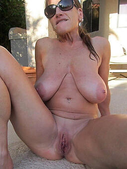 mature shaved pussy seduction