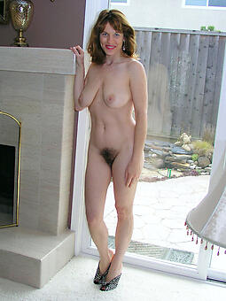nude pictures of skinny moms