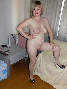 mom solo porn pictures