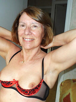moms drop 60 sexy porn pics