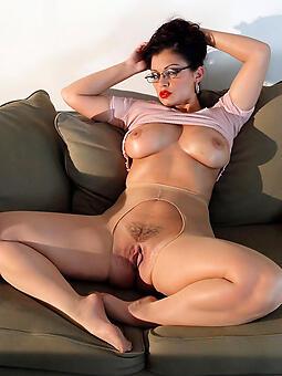 sexy venerable ladies in pantyhose free porn pics