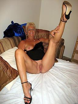 hotties moms in heels