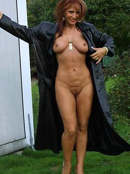 wild naked moms legs pics
