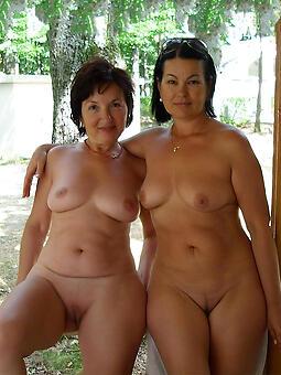 mature lesbian sex pics