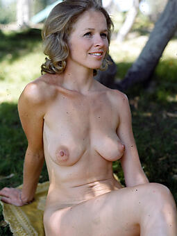 hotties shorn moms outdoors the driver's seat quickly