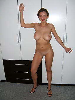 30 year old mom unorthodox uncovered pics
