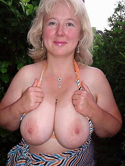 busty mature moms hot porn show