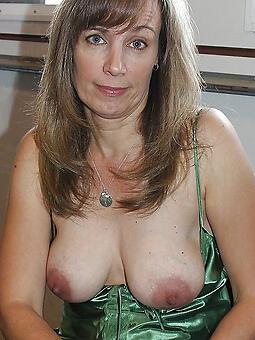 attracting natural mature tits