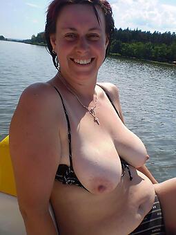 hotties mature big tits pics