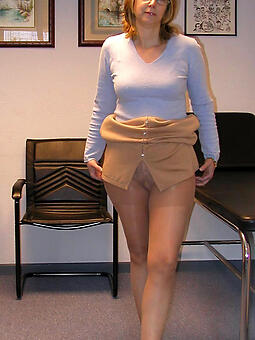 matures in pantyhose free naked pics