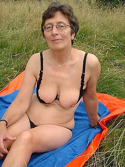 grown up relating to glasses free nude pics