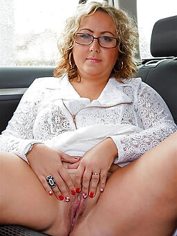 juggs sexy mom with glasses