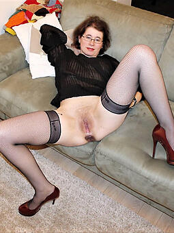 hot of age legs pics