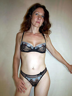 naked skinny descendant