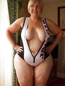 curvy ladies naked stripping