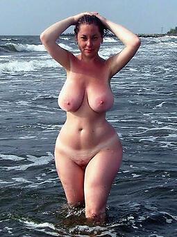 juggs sexy curvy landowners photo