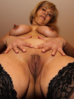 sexy mature nipples free porn pics