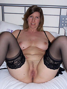 grown up housewife pussy hot pics